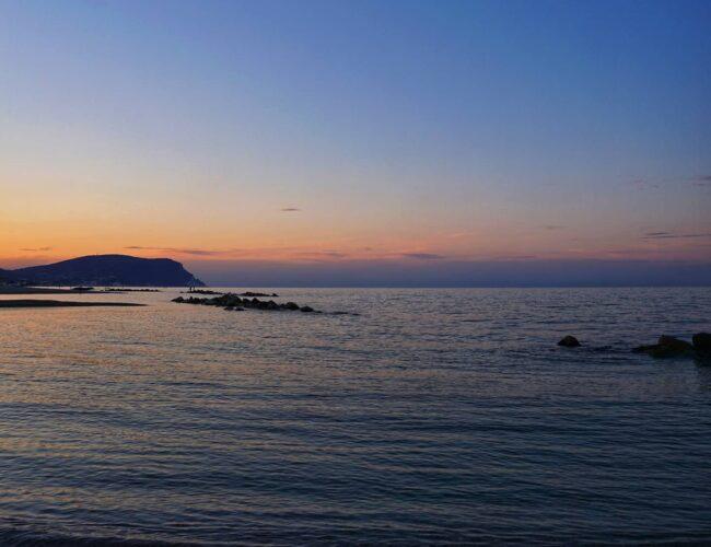 Ogni tramonto porta la promessa di una nuova alba